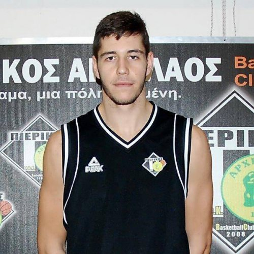 Papadopoulos starts season with a win and a double-double